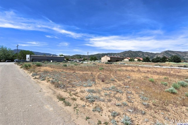 Single Family for Sale at 21608 Golden Star Boulevard Tehachapi, California 93561 United States