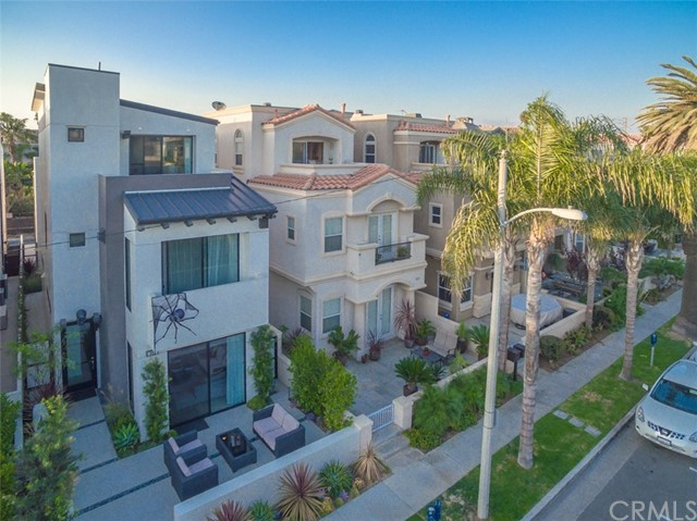 305 2nd Street Huntington Beach, CA 92648 - MLS #: OC18121856