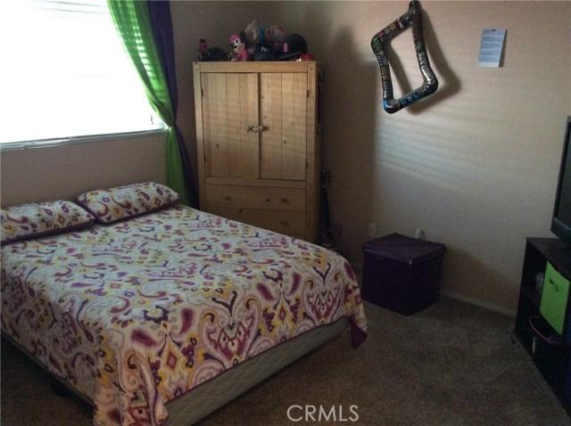 1487 Corona Street, San Jacinto CA: http://media.crmls.org/medias/517d3256-ecc1-4b77-9fab-b81b27a73fae.jpg