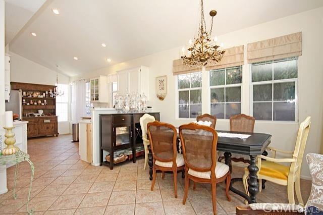 14 El Corazon, Rancho Santa Margarita CA: http://media.crmls.org/medias/51801a99-f148-4f51-9954-10e2e54b0d03.jpg