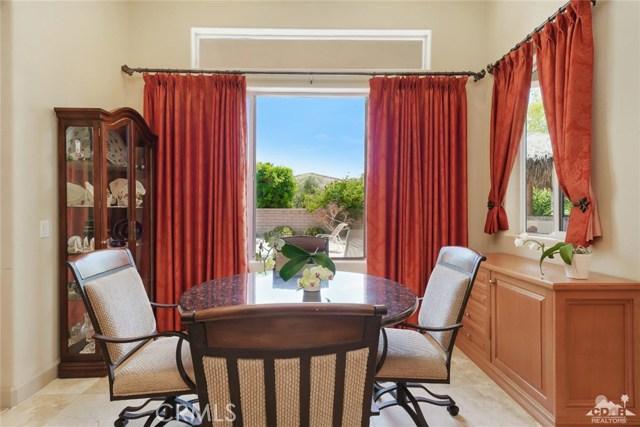 21 Toscana Way, Rancho Mirage CA: http://media.crmls.org/medias/519135f6-a264-4fd6-b604-fb17a647722e.jpg