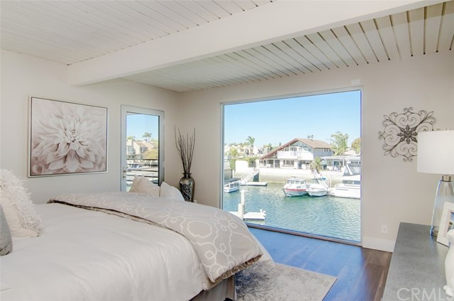 3261  Falkland Circle, Huntington Harbor, California