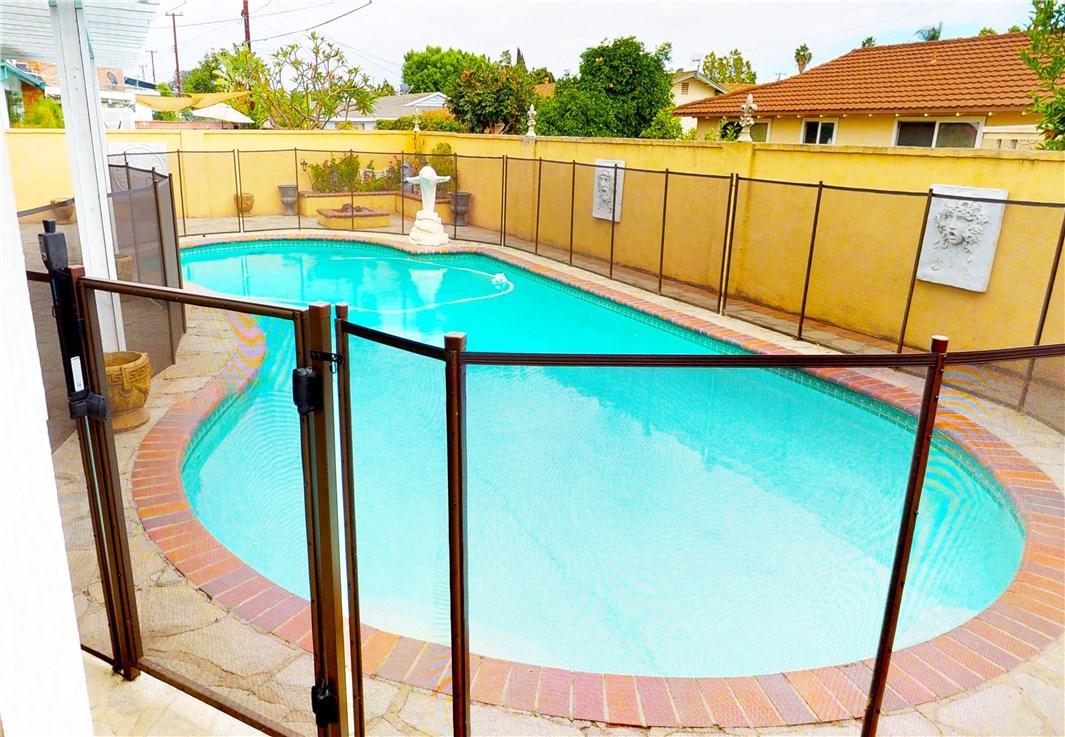 1838 W Chateau Avenue, Anaheim CA: http://media.crmls.org/medias/5195c879-1b3e-467c-bd0f-e802a93d1bd5.jpg