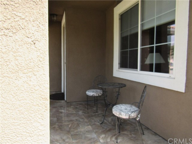 6975 Garden Rose Street, Fontana CA: http://media.crmls.org/medias/51a33c41-1c19-48c0-ad09-2a62e5598f4e.jpg