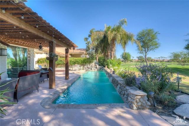 54015 Southern Hills, La Quinta CA: http://media.crmls.org/medias/51a4eeef-c262-4974-bedf-88780cd733db.jpg