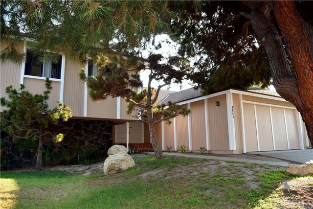 1124 Woodbury Drive Harbor City, CA 90710 is listed for sale as MLS Listing PV16174232