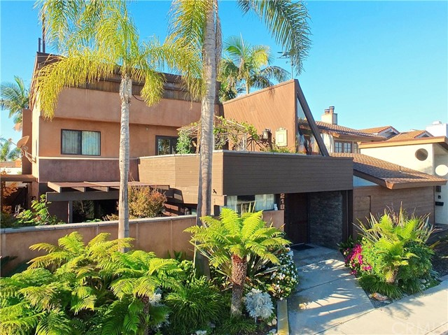 218 Electric Avenue, Seal Beach, CA 90740