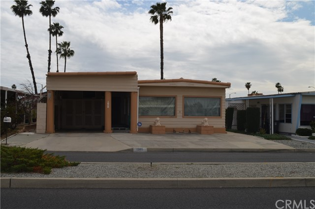 1305 W Johnston Avenue Hemet, CA 92543 - MLS #: EV18065468