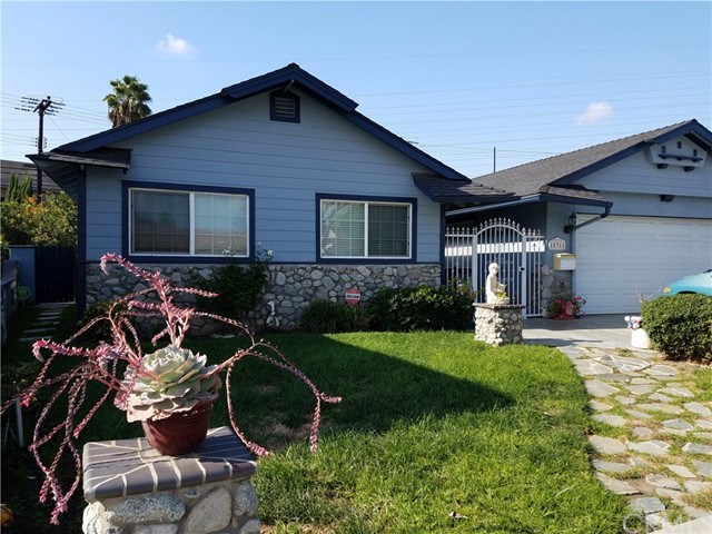 15311 Cascade Lane Huntington Beach, CA 92647 is listed for sale as MLS Listing OC16752350