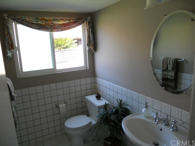 1216 Aster Street, Upland, CA 91786, 3 Bedrooms Bedrooms, ,3 BathroomsBathrooms,Residential,For Sale,Aster,C10080536