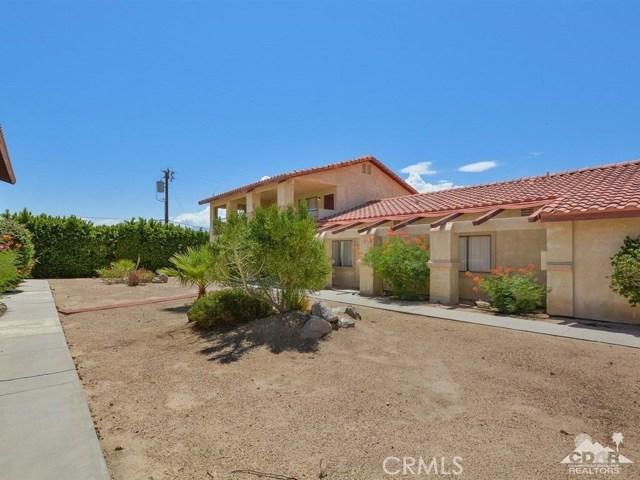 68075 Calle Bolso, Desert Hot Springs CA: http://media.crmls.org/medias/51e9476b-08ff-495f-800c-a0a048f2e8f5.jpg