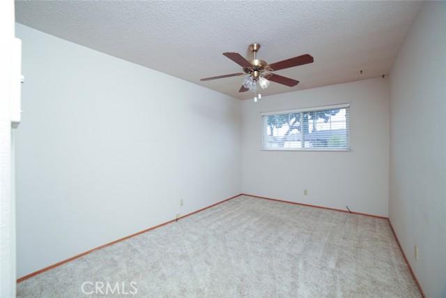 6324 N Bond Street, Fresno CA: http://media.crmls.org/medias/51e9c206-209d-46a6-9526-fad83fd42d5a.jpg