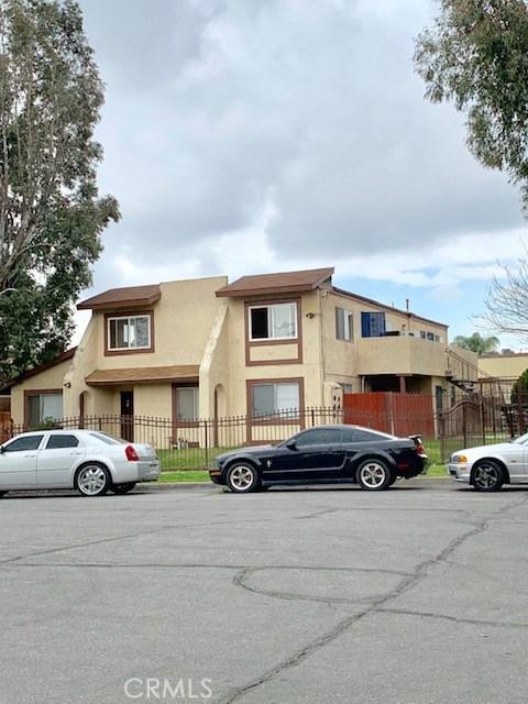 1080 N Clifford Avenue, Rialto CA: http://media.crmls.org/medias/51ef30ec-1b60-4bf7-bcf0-7b4a703cb87d.jpg
