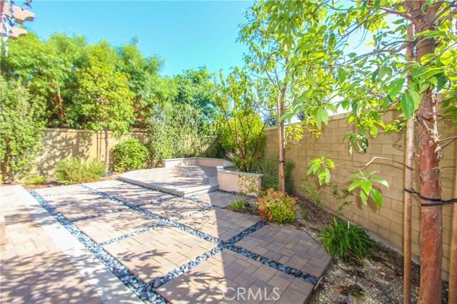 98 Bianco, Irvine CA: http://media.crmls.org/medias/51fe1599-a9ef-4b92-8928-913fe156fb67.jpg