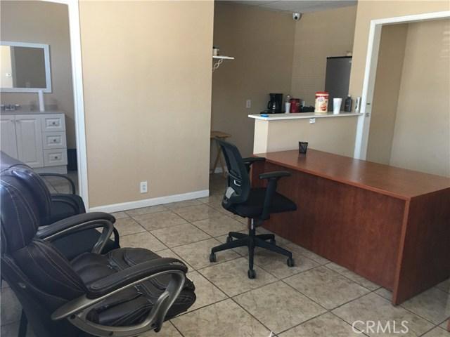 13600 Inglewood Avenue Hawthorne, CA 90250 - MLS #: SB18069186