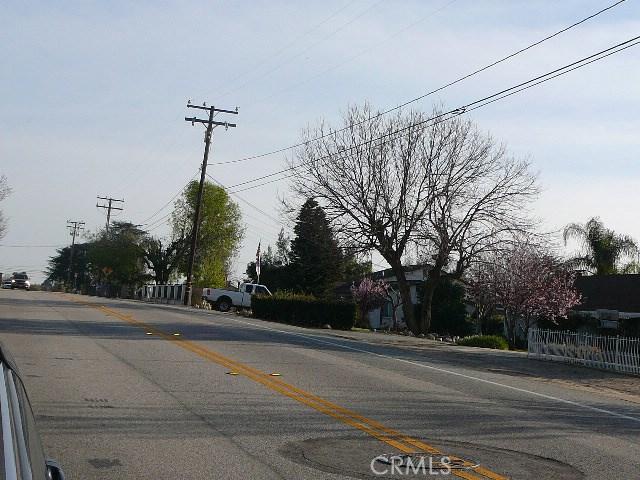 13000 Holmes Street, Yucaipa CA: http://media.crmls.org/medias/521118d0-1141-4bde-86d8-f66fd65d7696.jpg