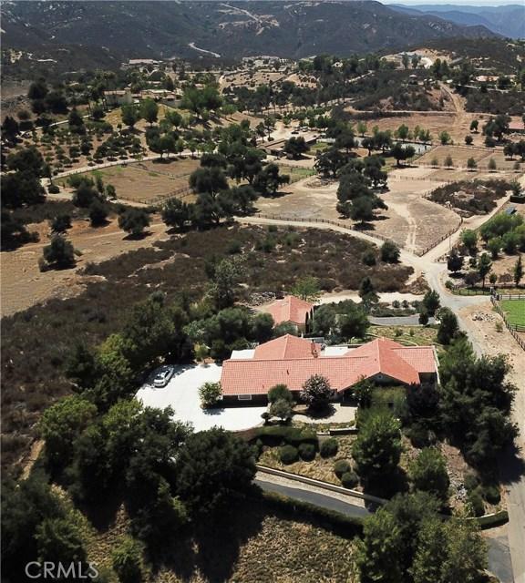 39655 AVENIDA LA CRESTA, Murrieta CA: http://media.crmls.org/medias/52242898-aa92-4322-aab7-6dc32cd6062b.jpg