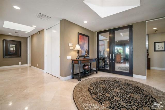 4 Exeter Court, Rancho Mirage CA: http://media.crmls.org/medias/522481e5-c1bc-4f27-b9f5-fc13f11f0999.jpg