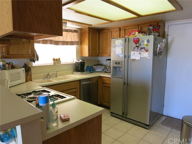 Additional photo for property listing at 1375 Lillyhill Drive  Needles, California 92363 United States