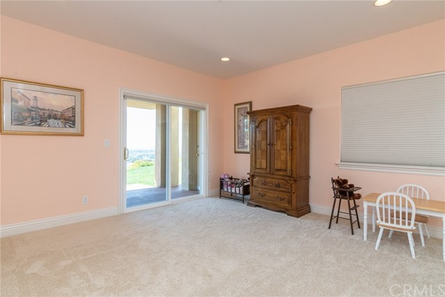 3335 Red Mountain Heights Drive, Fallbrook CA: http://media.crmls.org/medias/5234fe77-a42f-4af0-97b2-a84bc9fb4f3d.jpg