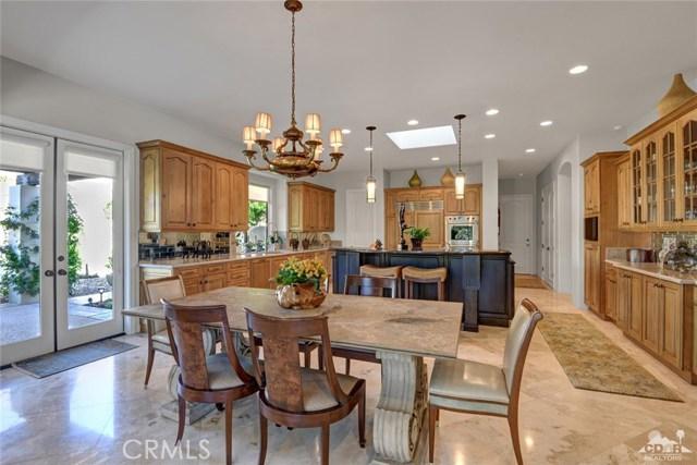 15 Villaggio Place, Rancho Mirage CA: http://media.crmls.org/medias/523a4ee6-aa29-47e2-9c29-74248e39eb59.jpg