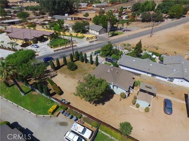 5343 Norwood Avenue, Riverside CA: http://media.crmls.org/medias/523efc96-86f0-4018-8fad-d9935cdb3735.jpg