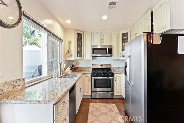 9565 Bickley Drive, Huntington Beach CA: http://media.crmls.org/medias/523fd43b-73d5-4107-bdb4-3d9f47ebf08c.jpg