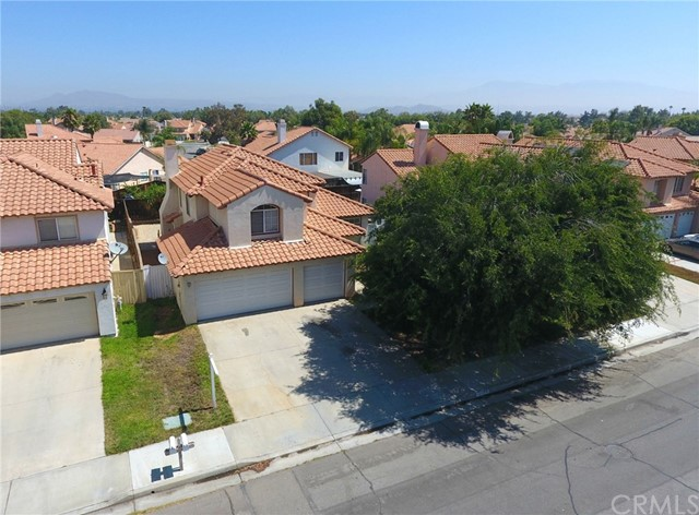 25562 Palo Cedro Drive, Moreno Valley CA: http://media.crmls.org/medias/5253a840-c516-479d-95a4-405215445182.jpg