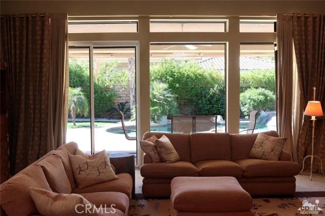 5 Varsity Circle, Rancho Mirage CA: http://media.crmls.org/medias/5255a210-e622-411d-b20a-6d1d64536e47.jpg