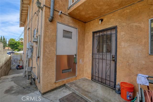5682 ALDAMA Street, Highland Park CA: http://media.crmls.org/medias/525e724f-12d2-4ec0-8288-f82b58cf8943.jpg