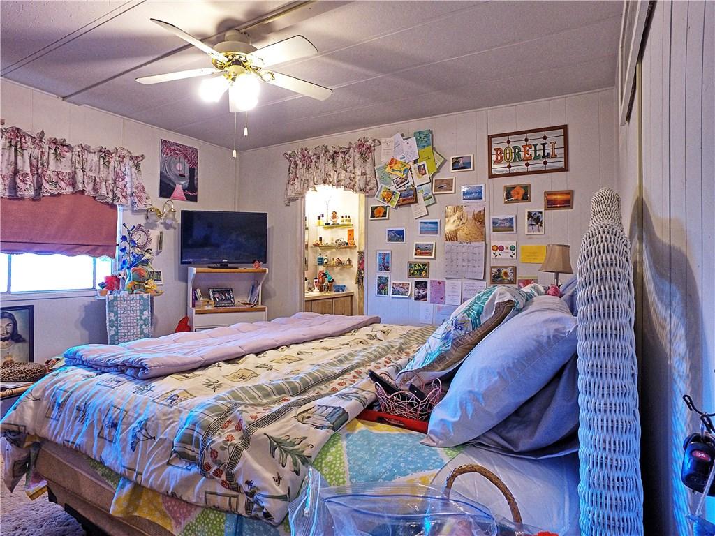 6331 Oak Avenue, Clearlake CA: http://media.crmls.org/medias/5263c432-9e6d-4a0c-ad6c-9a22d469975e.jpg