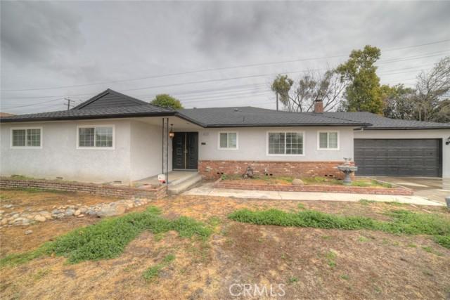 6324 N Bond Street, Fresno CA: http://media.crmls.org/medias/52677dc9-9b87-4dc3-91ef-cd78ab5ef833.jpg