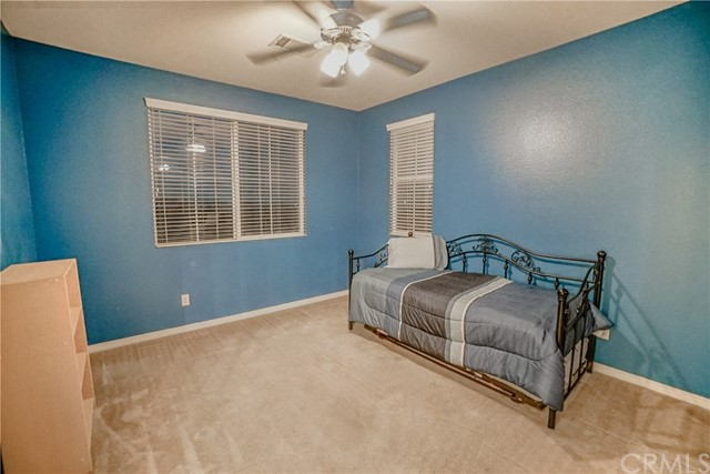 5087 Cottontail Way, Fontana CA: http://media.crmls.org/medias/526f28d8-a520-4258-9a63-bd5157cf47c6.jpg