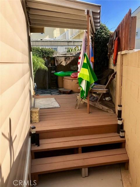 80 Huntington Street, Huntington Beach CA: http://media.crmls.org/medias/5271a8ab-f76e-4d93-83fa-e3b085d75dbe.jpg