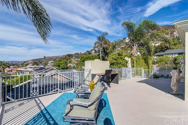 31365 Monterey Street, Laguna Beach CA: http://media.crmls.org/medias/52728aa8-89a4-4623-a35f-8c2b2063a235.jpg