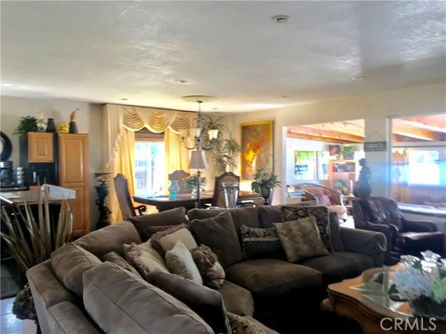 1011 W Citron Street, Corona CA: http://media.crmls.org/medias/52789a4a-eb1c-485f-a619-2bce1bb3eb4a.jpg