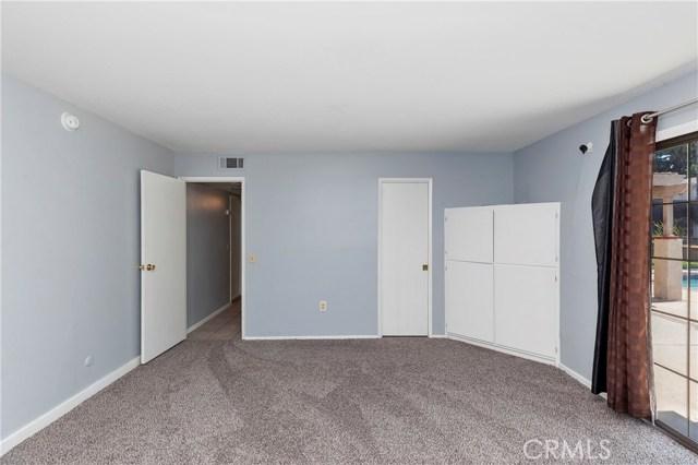 2870 Gibson Street, Riverside CA: http://media.crmls.org/medias/527b86dd-ee0a-454c-b9f4-b0468d49724d.jpg
