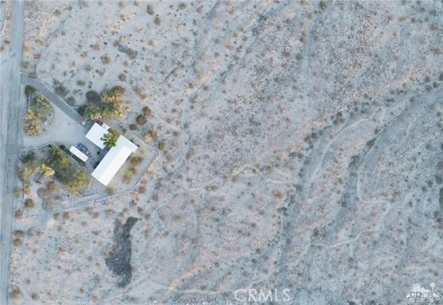 26201 Hopper Road, Desert Hot Springs CA: http://media.crmls.org/medias/52887eb0-95ca-45a6-94ec-e49152558c00.jpg