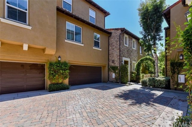 221 Lonetree, Irvine, CA 92603 Photo