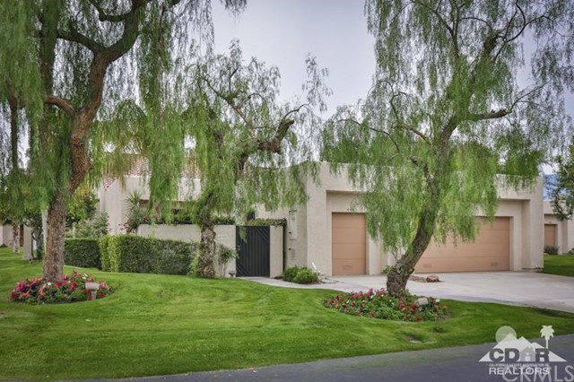10401 Sunningdale Drive Rancho Mirage, CA 92270 is listed for sale as MLS Listing 216036500DA