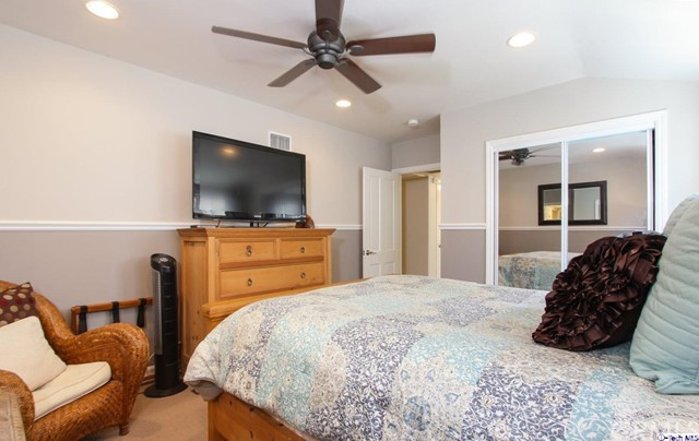 16816 San Jose Street, Granada Hills CA: http://media.crmls.org/medias/5291890a-52e1-46d5-929a-0fed80995c40.jpg