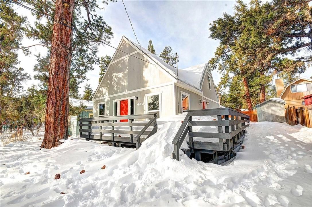 Single Family Home for Sale at 448 Cedar Lane Sugarloaf, California 92386 United States