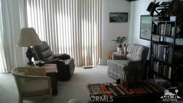 39540 Manzanita Drive, Palm Desert CA: http://media.crmls.org/medias/529e533c-4177-4efb-ad46-e234559ac3a0.jpg