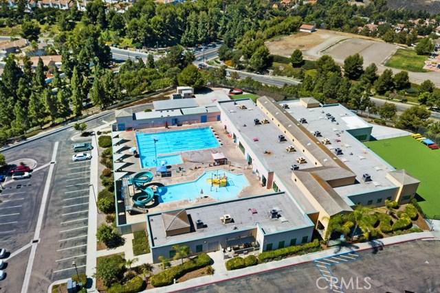 1627 Corte Verano, Oceanside CA: http://media.crmls.org/medias/52a397d5-5870-4233-ab5a-73ed5610356d.jpg