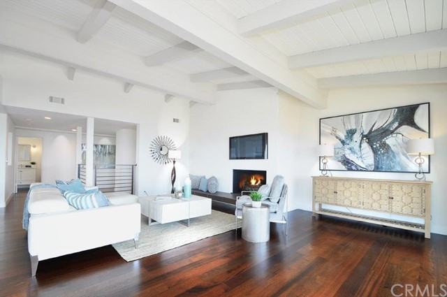 904 Via Nogales, Palos Verdes Estates CA: http://media.crmls.org/medias/52a6fcb4-9e85-4590-a835-b8d1620d9094.jpg