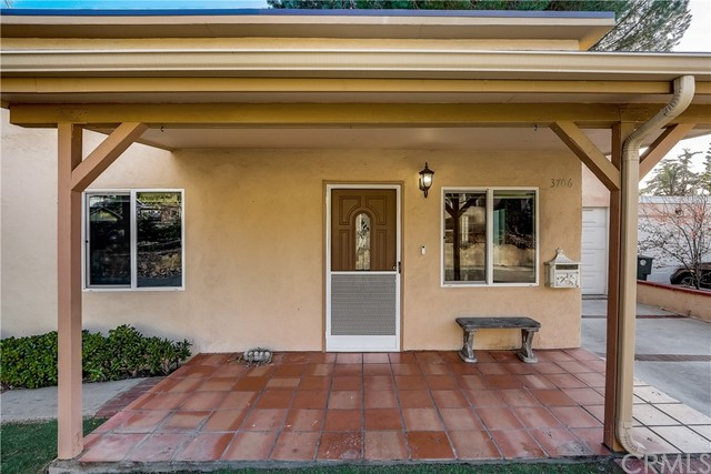3706 3rd Avenue, Glendale CA: http://media.crmls.org/medias/52bbf2f6-d3fd-465a-b3fc-8a855d2f732c.jpg