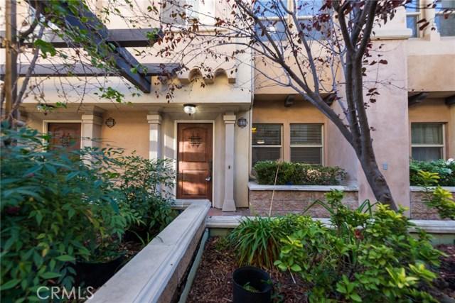 56 S Craig Avenue, Pasadena CA: http://media.crmls.org/medias/52bf6da2-4882-421e-b8c6-1c3dfa4e75c8.jpg