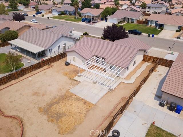 13002 Spelman Drive, Victorville CA: http://media.crmls.org/medias/52bffa86-4b01-49d5-903b-954231139713.jpg