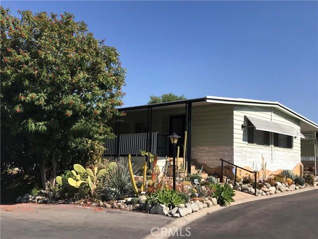 2851 Rolling Hills Drive, Fullerton CA: http://media.crmls.org/medias/52c84efe-e1ea-4fab-9f3a-4bdd3055af55.jpg