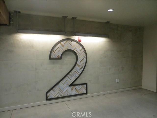 527 S Molino Street, Los Angeles CA: http://media.crmls.org/medias/52cd0702-bac3-4782-87f9-97fa4775f94a.jpg